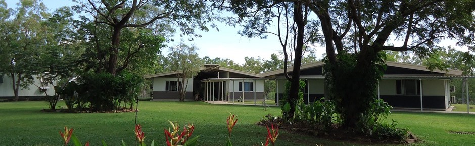 Banyan House residential units offer single air conditioned rooms with en-suite bathrooms.